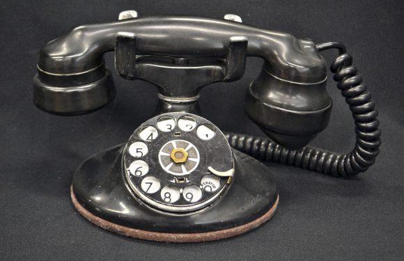 Pierwszy telefon komórkowy – jak wyglądał i kto go wynalazł?