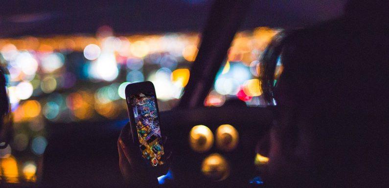 Bezpieczne używanie telefonu w czasie jazdy samochodem