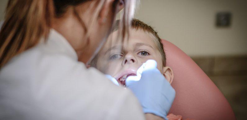 Kiedy należy udać się do chirurga stomatologii?